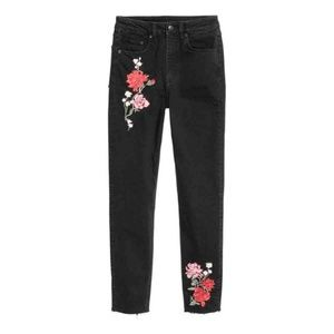 12 Divided H&M Booty Fit Floral Embroidered Jeans